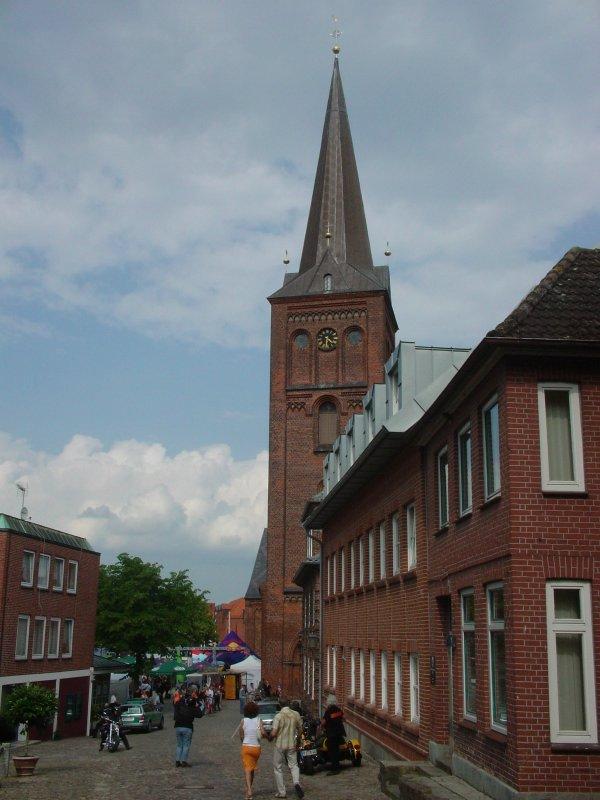 마을중앙의 교회입니다. 이날은 무슨 행사가 열리는 군요...이부분은 다시 올리겠습니다.